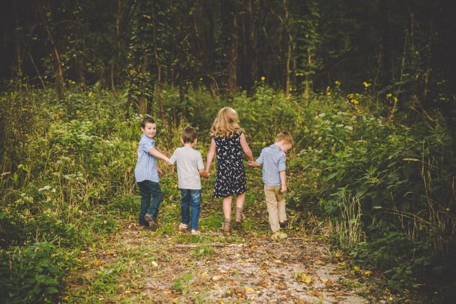 Indianapolis family photographer, cousins, Washington township park